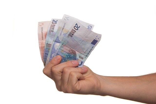 Készpénz kölcsön azonnal magánszemélytől